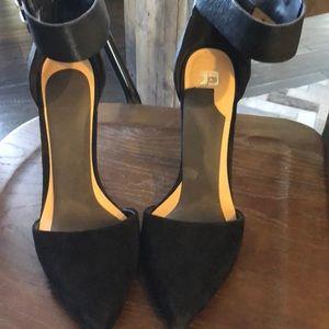 Joes black velvet heel